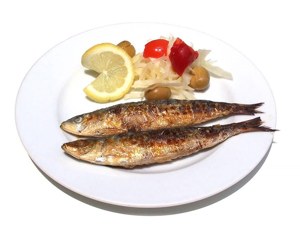sardinas-plancha-tapas-kiosko-18-de-julio-almeria